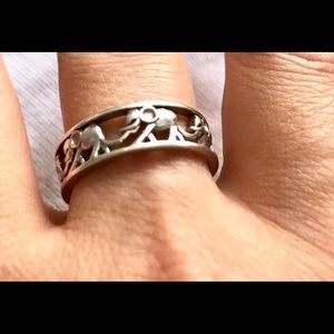 Elephant design sterling silver ring